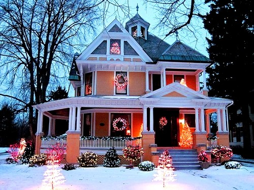 Holiday House, Elgin, Illinois