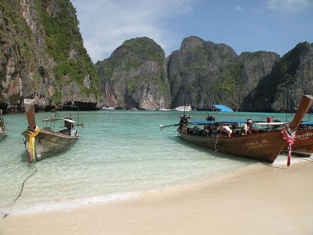 by twiga_swala on Flickr.Maya Bay, Ko Phi Phi Lee Islands - Thailand.