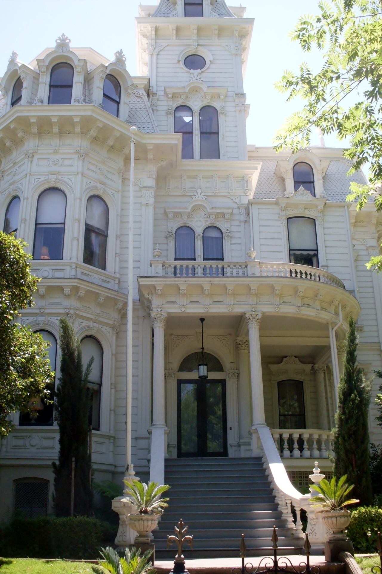 "atonoflove:"" Governor's Mansion - Sacramento, CA."""