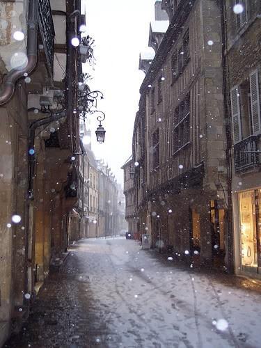 Snowy Day, Paris, France