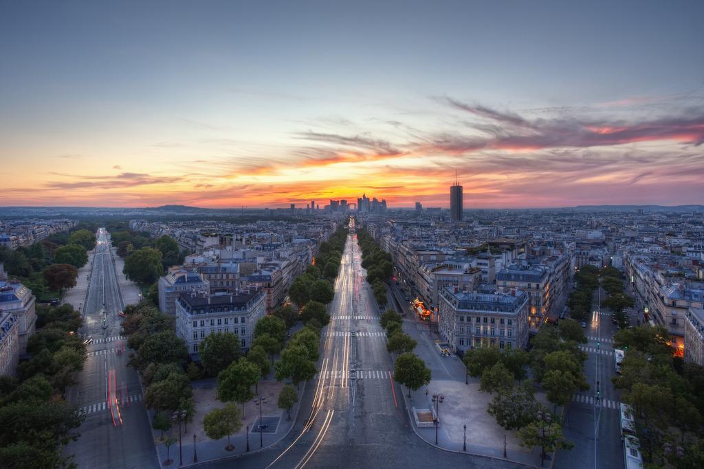France (Conor MacNeill)