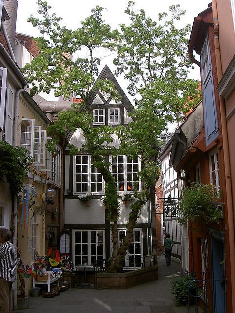 Street scene in the historic district of Bremen, Germany