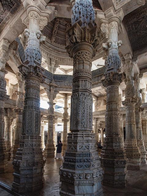 Ranakpur jain temple, Rajasthan / India